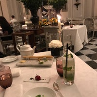 Foto scattata a Il Palagio at Four Seasons Hotel Firenze da Fahdah🐎 . il 9/15/2017