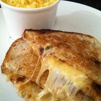 รูปภาพถ่ายที่ Say Cheese โดย Nicholas F. เมื่อ 11/11/2012
