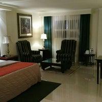 11/13/2015 tarihinde Ariel A.ziyaretçi tarafından Aliana Hotel & Suites'de çekilen fotoğraf