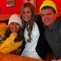 2/2/2013 tarihinde Karolyn P.ziyaretçi tarafından Smokin' Chicks BBQ'de çekilen fotoğraf