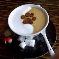 Снимок сделан в Best Coffee House пользователем Meral V. 1/9/2013