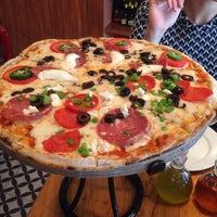 Foto tomada en Rocco & Simona Pizza al Forno por Blanca G. el 5/8/2015