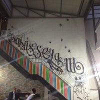 Photo prise au Babüsselam Cafe par Edip G. le5/7/2013