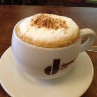 รูปภาพถ่ายที่ Le Petit Cafe โดย Liza P. เมื่อ 10/27/2012