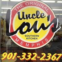 Foto tirada no(a) Uncle Lou's por Liza P. em 12/28/2012