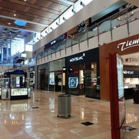 Foto tirada no(a) Mall Multiplaza Pacific por Luis E. M. em 7/27/2013