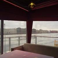 2/23/2014에 Anna🎼Egoistka님이 DoZari / Дозари шоу-ресторан на воде에서 찍은 사진