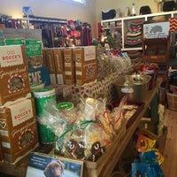 12/26/2015 tarihinde Kathleen N.ziyaretçi tarafından Noe Valley Pet Company'de çekilen fotoğraf