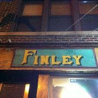 Foto tirada no(a) Finley Dunne's Tavern por Kelly C. em 1/12/2013