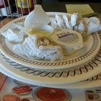 Das Foto wurde bei Waffle House von Richardo P. am 1/16/2013 aufgenommen