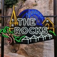 Foto diambil di The Rocks oleh Tommy R. pada 1/15/2020
