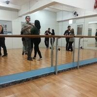 Foto tirada no(a) Espaço Ballet Carmem por Leo L. em 4/20/2013