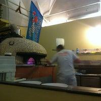 Foto scattata a Pizzeria O' Vesuvio Napoletana Forno Legna da Mylin P. il 5/5/2013
