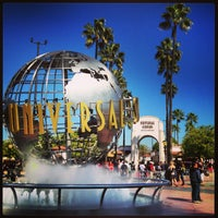 2/15/2013 tarihinde ダイスケ ナ.ziyaretçi tarafından Universal Studios Hollywood Globe and Fountain'de çekilen fotoğraf