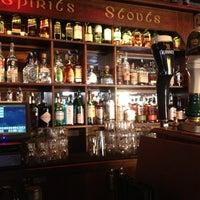 Foto tirada no(a) The Chieftain Irish Pub & Restaurant por Corrie D. em 4/23/2013