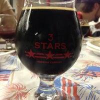 Foto scattata a 3 Stars Brewing Company da Simon H. il 5/19/2013