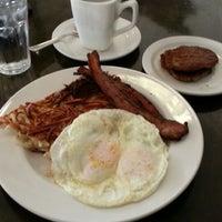 Photo taken at Matt's Big Breakfast by Tom Z. on 7/12/2013