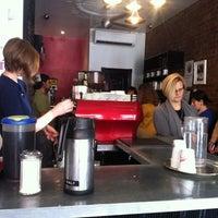 10/11/2012にKirk L.がGimme! Coffeeで撮った写真
