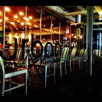 Foto tomada en Urban Bistro por Faris K. el 11/28/2012