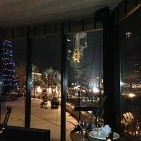 Foto tirada no(a) Ресторан & Lounge «Река» por Igor L. em 12/20/2012