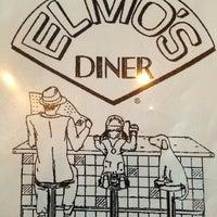 Das Foto wurde bei Elmo's Diner von Donna am 9/20/2013 aufgenommen