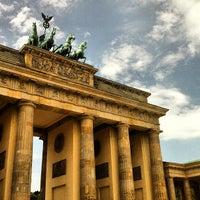 6/4/2013 tarihinde Beticoziyaretçi tarafından Brandenburg Kapısı'de çekilen fotoğraf