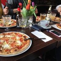 Foto diambil di Pizzeria Piccola L'Originale oleh Bianka A. pada 3/18/2018