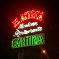 รูปภาพถ่ายที่ El Azteca โดย Jennifer Kjellgren ~. เมื่อ 11/8/2012