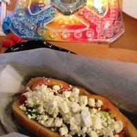 Photo prise au Toppings and More: Noodle Bar & Frozen Yogurt par Ronna G. le2/10/2013