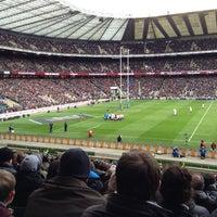 Das Foto wurde bei Twickenham Stadium von Chris A. am 3/10/2013 aufgenommen