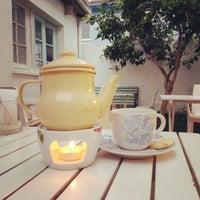 Photo prise au Café Dulce Bazar par Gillian B. le10/1/2014