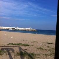 10/13/2012 tarihinde Dogu P.ziyaretçi tarafından Hanımeli Balık Restaurant'de çekilen fotoğraf