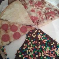 รูปภาพถ่ายที่ O Pedaço da Pizza โดย Daniela D. เมื่อ 7/15/2013