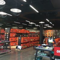 Diez darse cuenta Sur oeste  Nike Factory Store - La Julia - Av. Abraham Lincoln