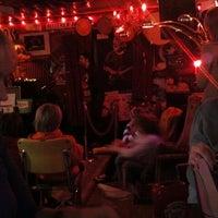 Foto tirada no(a) The Red Bar por Crystal R. em 2/25/2012