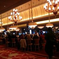 Foto scattata a River City Casino da BetsyM il 12/26/2010