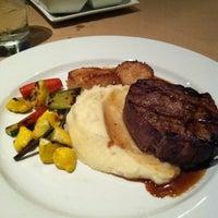 Foto diambil di Z's Oyster Bar and Steakhouse oleh Jenna W. pada 9/23/2011