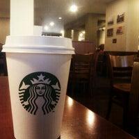 Photo prise au Starbucks par HikiSquare le11/11/2011