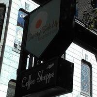 Das Foto wurde bei Sunny Side Up & Coffee Shoppe von Katie C. am 9/11/2012 aufgenommen