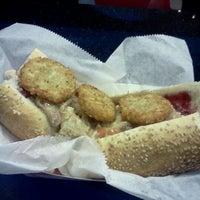 11/22/2011 tarihinde Eziyaretçi tarafından Jake's Sandwich Board'de çekilen fotoğraf