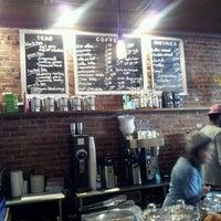 Foto scattata a Lenox Coffee da Terance T. il 1/18/2012