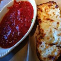 Foto tomada en Grant Central Pizza por Jennie H. el 8/20/2012