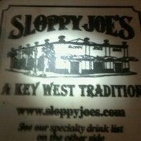 Foto diambil di Sloppy Joe's Bar oleh Cyndy M. pada 11/28/2011