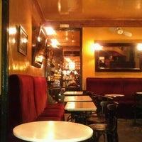 Снимок сделан в Café de Ruiz пользователем Ariz A. 1/30/2012