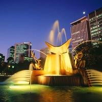 รูปภาพถ่ายที่ Victoria Square/Tarndanyangga โดย IOYΛΙΟΣ H. เมื่อ 8/19/2012