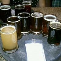 5/15/2011にAnna S.がEquinox Brewingで撮った写真