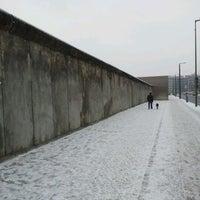 Снимок сделан в Мемориальный комплекс «Берлинская стена» пользователем Andras K. 2/5/2012
