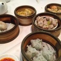 Снимок сделан в Oriental Garden 福臨門海鮮酒家 пользователем Teresa C. 7/15/2012