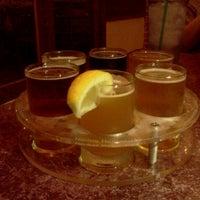 Снимок сделан в San Pedro Brewing Company пользователем Gabby A. 9/2/2011