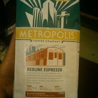 Снимок сделан в Metropolis Coffee Company пользователем John P. 8/15/2011